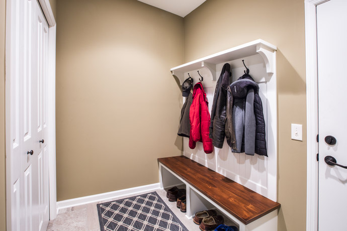 2 Mudroom Coat Hooks And Bench 690 Mx 690 M